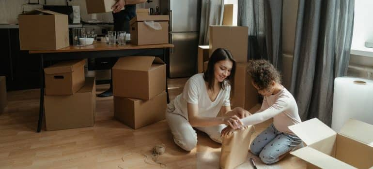 family - prepare for moving with kids