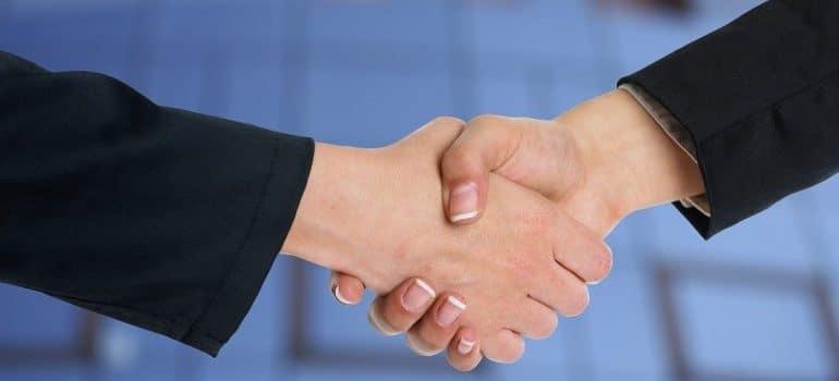 handshake-commercial relocation checklist