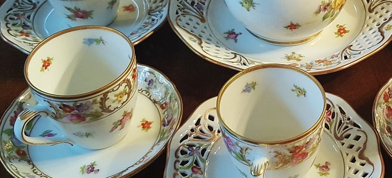 breakable china set as one of the reasons to hire professional packers for your move