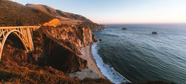 a road near an ocean one can pass through when moving from Santa Ana to Anaheim